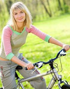 Как убрать надувшийся живот: 8 простых способов